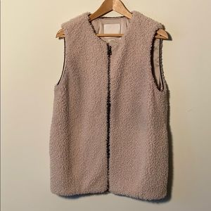 Wilfred zippered Sherpa vest